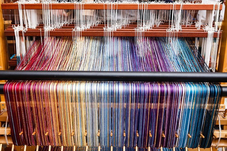 Recycling plastic into fabric